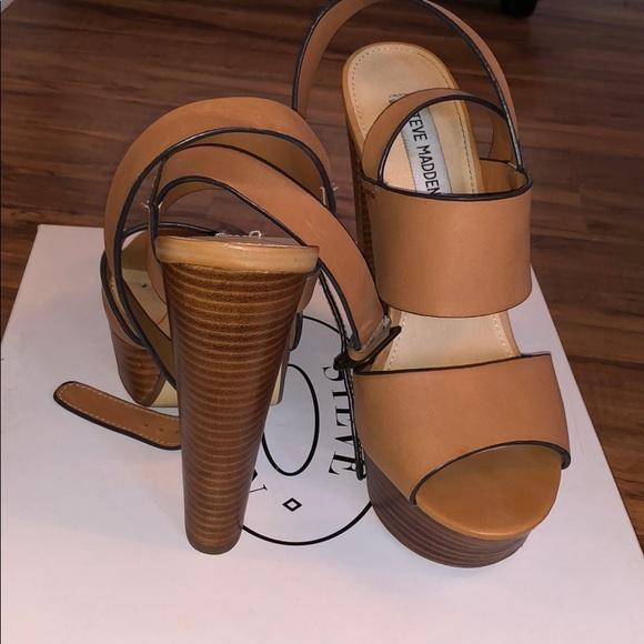 8d4d683110b Steve Madden Dezzzy Tan Leather Size 8. M 5c295f4dbb7615ebabd1b7c1